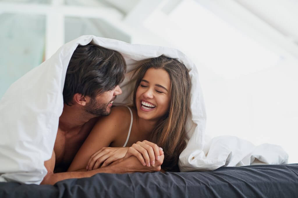 Samen slapen en samen onder de dekens